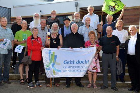 Erzbischof Hans-Josef Becker feiert Andacht mit den Klimapilger/innen